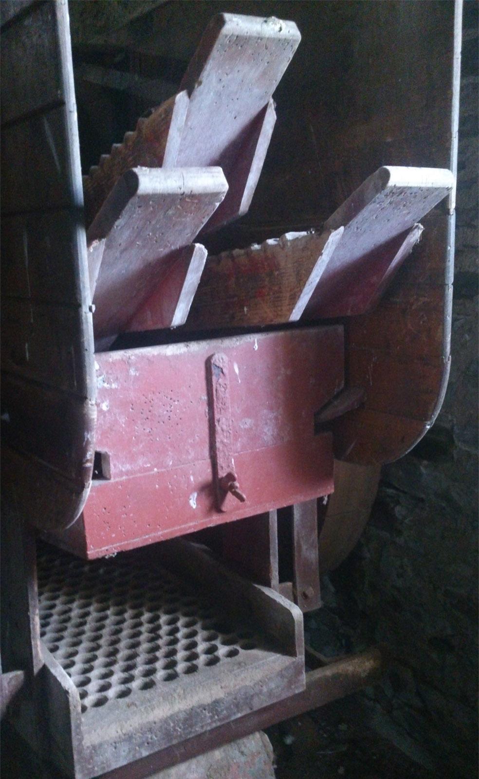 Scalan mill threshing machine