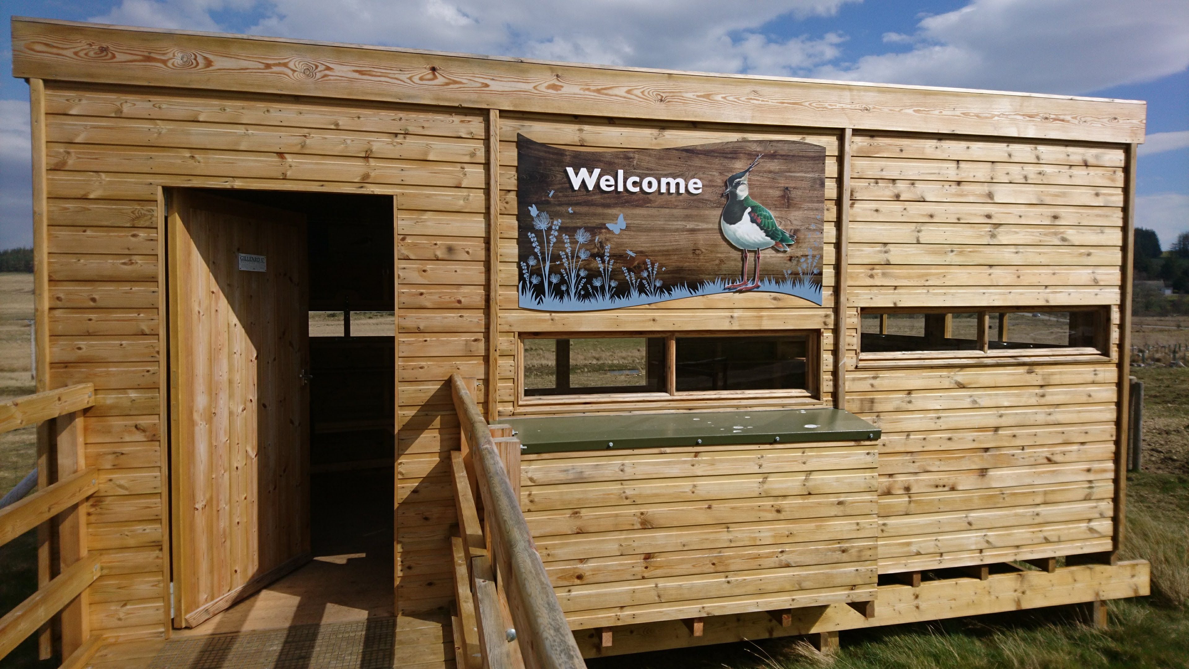 bird hide welcome sign