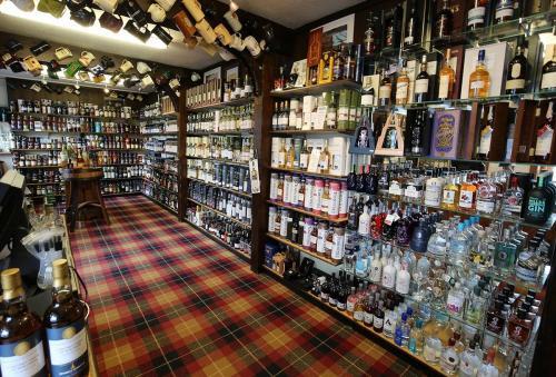 WhiskyCastle2018sml GALLERY-min