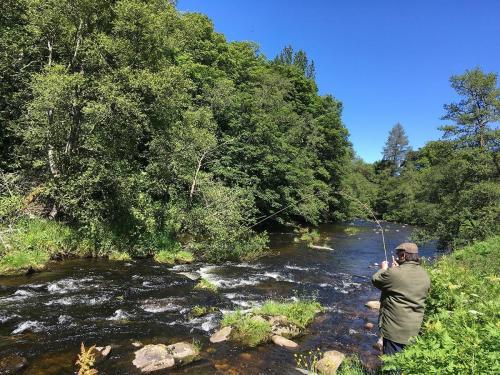 Fishing River Livet-min